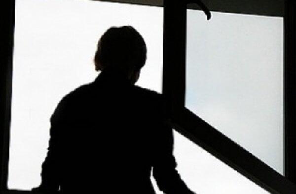 Житель Корабельного района выбросился из окна с 8-го этажа | Корабелов.ИНФО