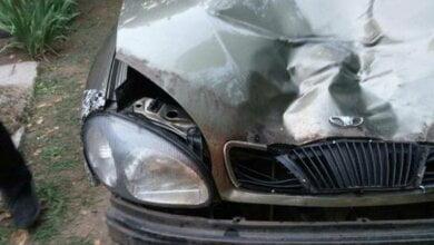 Молодики в Миколаєві прямо на капоті авто розпивали алкоголь, а потім збили насмерть людину, знявши це на ВІДЕО   Корабелов.ИНФО image 1