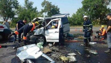 Под Николаевом «Мерседес» врезался в грузовик: трое погибших, среди которых девочка 6 лет | Корабелов.ИНФО image 4