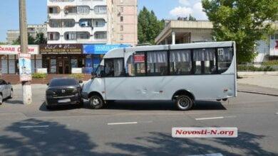 Photo of Маршрутное такси №87 в Николаеве протаранило «Мазду»