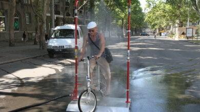 На три дня жары в центре Николаева поставили рамку с распылителем воды | Корабелов.ИНФО image 1