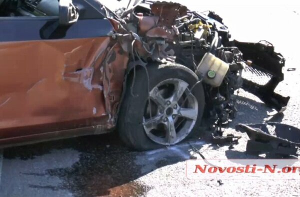 На трассе под Николаевом пьяный водитель на «Мазде» врезался в фуру и пытался сбежать | Корабелов.ИНФО