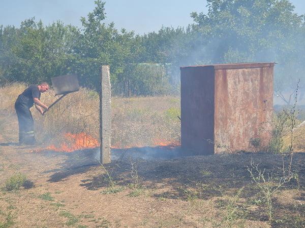 Рятівники з Корабельного району вкотре боролися з масштабною пожежею | Корабелов.ИНФО image 1