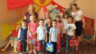 Детям в Корабельном районе вручили подарочные школьные наборы | Корабелов.ИНФО image 2