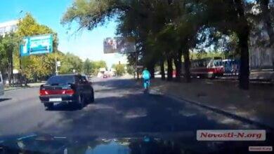 На красный, со скоростью 100 км/ч. Как ездят по проспекту Богоявленскому в Николаеве (ВИДЕО) | Корабелов.ИНФО