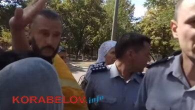 """Photo of Ценой крови: полиция пообещала, что строительство церкви у ДК """"Корабельный"""" пока прекратится (ВИДЕО)"""