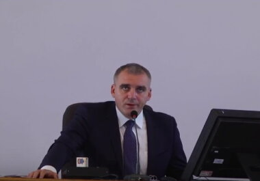 Александр Сенкевич на сессии горсовета