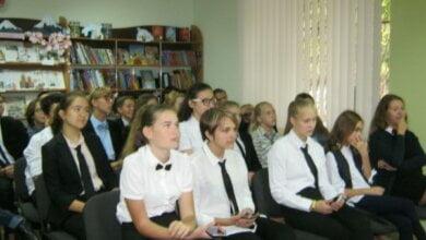 Гімназисти Корабельного району завітали до дитячої бібліотеки на захід до Європейського дня мов   Корабелов.ИНФО image 4