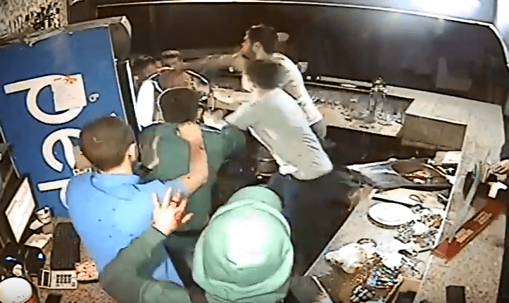 Пьяные девушки видео драки в юбках