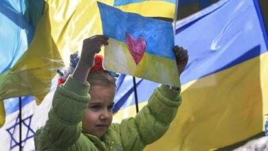 Photo of Большинство украинцев выступают за единственный государственный язык, — опрос