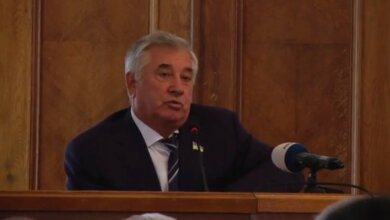 «Депутаты с ним что, по 100 грамм не выпивали?» - одиозный Дюмин заступился за мэра Сенкевича | Корабелов.ИНФО
