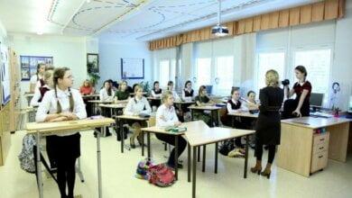 В николаевских школах появится «стоячая парта» - начальник управления образования Анна Деркач   Корабелов.ИНФО