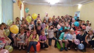 Фінальне свято для учасників програми літнього читання-2017 відбулося в дитячій бібліотеці Корабельного району (ВІДЕО) | Корабелов.ИНФО image 1
