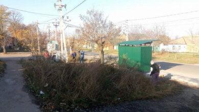 У Широкій Балці навели порядок біля зупинки | Корабелов.ИНФО image 1