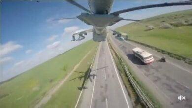 Боевые вертолеты прошли над трассой Херсон-Николаев (видео) | Корабелов.ИНФО