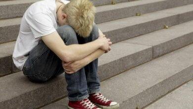 17-летний спортсмен на улице в Николаеве, проходя мимо подростков, ударил одного из них: мальчик в тяжелом состоянии | Корабелов.ИНФО