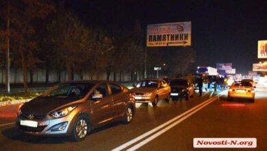 На проспекте Богоявленском «Ленд Крузер» устроил ДТП с пятью автомобилями   Корабелов.ИНФО image 1