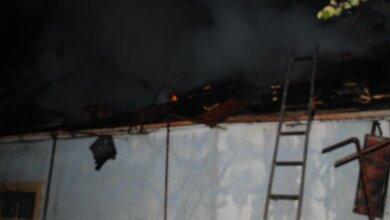 В Корабельном районе тушили пожар площадью 60 кв. м, который возник в дачном доме из-за разжигания печки | Корабелов.ИНФО