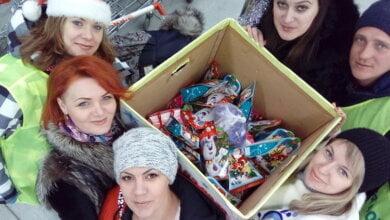 """Молодежь """"Ольвии"""" в супермаркете Корабельного района собирала сладкие подарки для детей с тяжёлой судьбой   Корабелов.ИНФО image 4"""