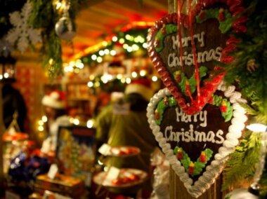 """""""Бред это всё"""" или """"Чем больше, тем лучше!"""" - мнения жителей Корабельного района о праздновании Рождества 25 декабря"""