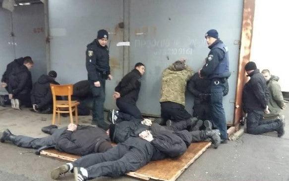 Photo of Стрельба и взрывы гранат: в Николаеве пытались захватить рынок «Колос»