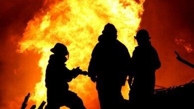 Ночью в Николаеве во время пожара в жилом доме погиб мужчина   Корабелов.ИНФО