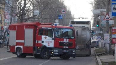 В Николаеве перекрыли улицу из-за протечки ядовитого вещества из автоцистерны (видео) | Корабелов.ИНФО image 3