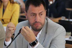 Спустя год, депутат горсовета Ентин признался, что Сенкевич их шантажировал