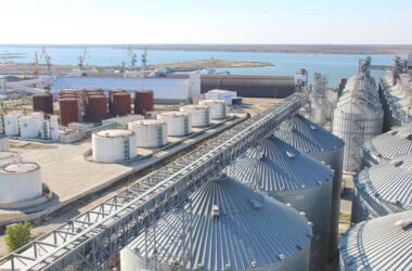 Более 4 миллионов тонн грузов перевалил в 2017 году порт «Ника-Тера» | Корабелов.ИНФО image 5