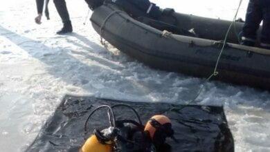 Водолази відшукали тіло потонулого чоловіка, який провалився під лід | Корабелов.ИНФО image 1