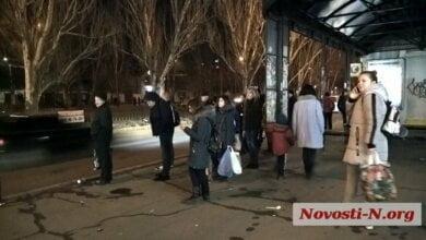 1 января: николаевцы с трудом уезжают на общественном транспорте   Корабелов.ИНФО