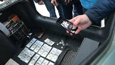 В Николаевском горсовете на взятке в $1,5 тысячи задержан посредник – нес в управление архитектуры (ВИДЕО) | Корабелов.ИНФО image 1