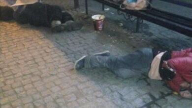 На остановке в центре Николаева обнаружили тела двух человек - один из них умер до приезда скорой помощи | Корабелов.ИНФО