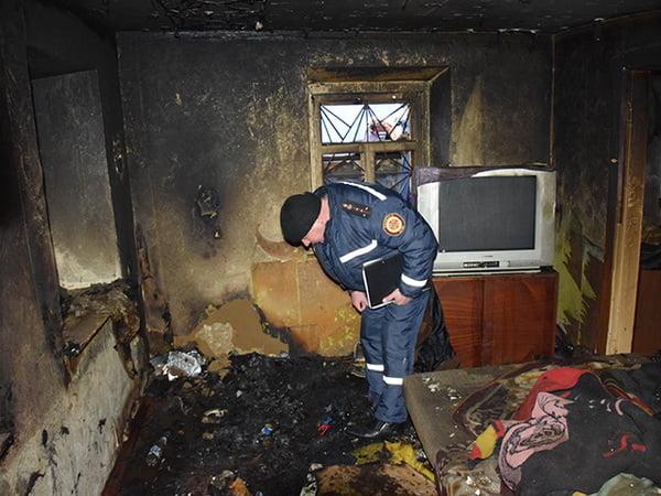 Photo of Неосторожно покурили: во время пожара в Николаеве погибли мужчина и женщина