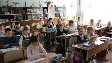 За новыми знаниями - за новые антисколеозные парты: порт «Ника-Тера» помог школе №43 | Корабелов.ИНФО image 4
