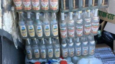 Миколаївець в підвалі розводив спирт водою, і під виглядом алкоголю відомих марок розвозив його по барам і магазинам | Корабелов.ИНФО image 1