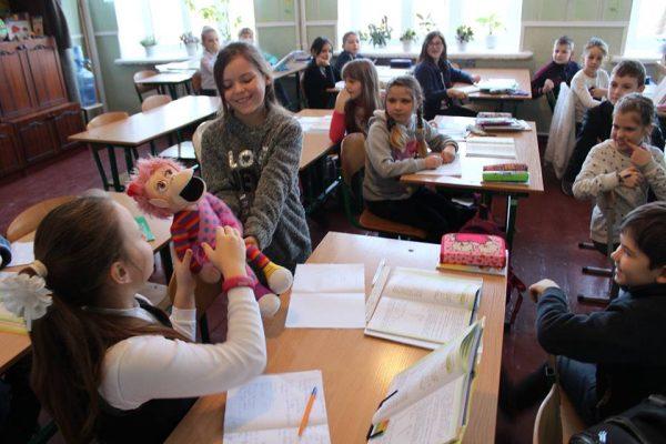 Шалені ідеї, сюрпризи, компліменти і посмішки панують у школі в Корабельному районі. А конфліктам тут - зась