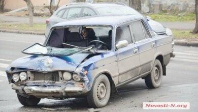 Photo of Видео ДТП с тремя автомобилями в Николаеве: пострадала женщина-пассажир