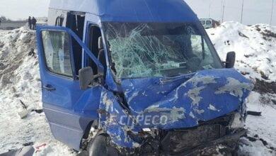 Двое взрослых погибли, 9 детей в больнице: под Киевом автобус, направлявшийся в цирк, попал в ДТП (ВИДЕО)   Корабелов.ИНФО image 2