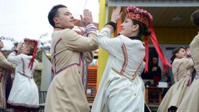 В Николаевском зоопарке народными танцами и детскими конкурсами попрощались с зимой | Корабелов.ИНФО image 3