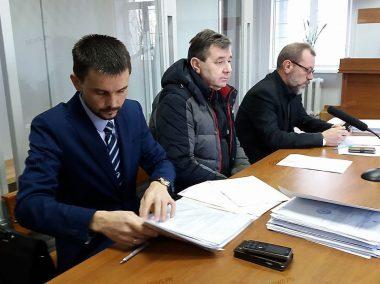 Апелляционный суд отказал прокуратуре и адвокатам депутата Копейки и его сына, оставив в силе избранные меры пресечения