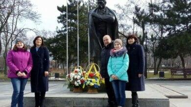 Photo of Мешканці Корабельного району вшанували пам'ять Великого Кобзаря (ВІДЕО)