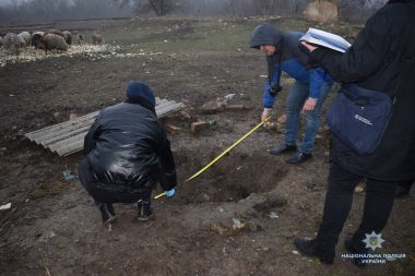 Задушив і розчленив колегу працівник ферми у Вітовському районі (ВІДЕО)