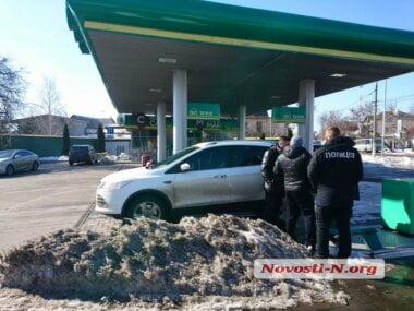 «Сунешься — пырну!» в Николаеве вооруженный «кавказец» пытался ограбить машину