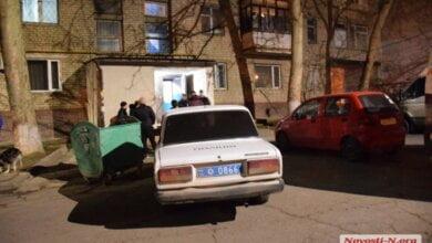 «Приезжайте, в квартире 4 трупа!» - в Николаеве спасли самоубийцу, пытавшегося прыгнуть с 6-го этажа (Видео)   Корабелов.ИНФО