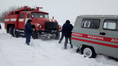 """Рятувальники визволили карети """"швидкої допомоги"""" зі снігових заметів, у тому числі і в Корабельному районі   Корабелов.ИНФО"""