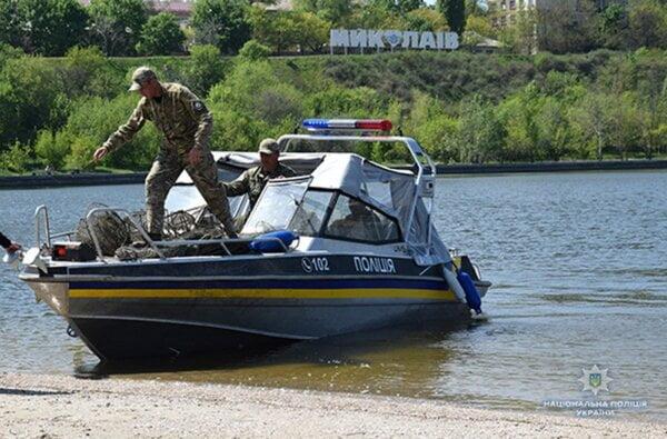 Полицейские изъяли у браконьеров под Николаевом несколько сотен орудий для ловли раков | Корабелов.ИНФО image 13