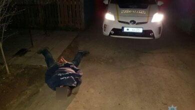Розбив скло та намагався завести... Викрадача авто затримав власник машини в Корабельному районі | Корабелов.ИНФО image 2