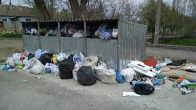 Корабельный район Николаева оказался завален мусором: КП «Обрій» имеет проблемы с топливом | Корабелов.ИНФО image 1