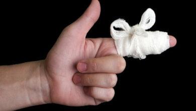 Заступник директора «Прометея» напав на жінку-слідчу і зламав їй палець   Корабелов.ИНФО